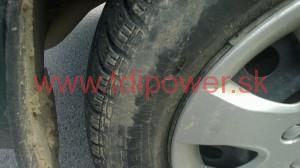 poskodena pneumatika
