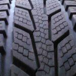 Zodraté všetky štyri pneumatiky
