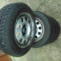 Predám zimné pneumatiky 185/60 R14 T s diskami.